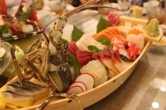 Sashimi và cháo tôm hùm hay một bữa sang để yêu bản thân