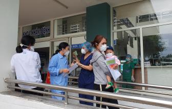Mổ bắt con cho sản phụ mắc COVID-19 ngay tại bệnh viện dã chiến ở Đà Nẵng