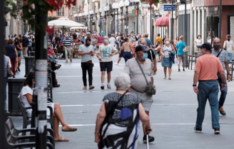 EU đạt thỏa thuận 300 triệu liều vắc-xin COVID-19, Tây Ban Nha ghi nhận số ca nhiễm tăng đột biến