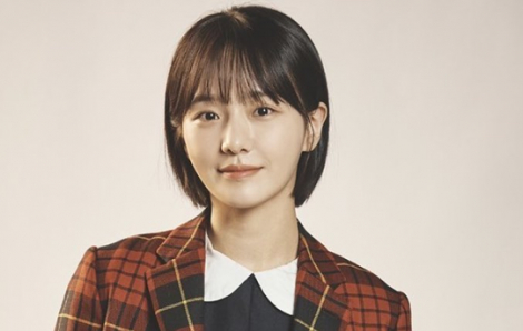 """Park Gyu Young tỏa sáng nhờ Ju Ri """"hai mặt"""""""