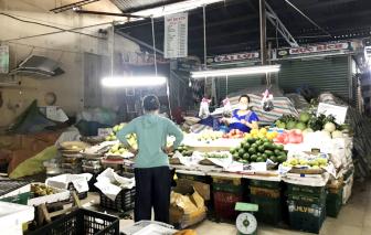 """Chợ truyền thống thời """"tem phiếu"""" đìu hiu"""