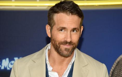 Ryan Reynolds kêu gọi ngừng tiệc tùng trong đại dịch