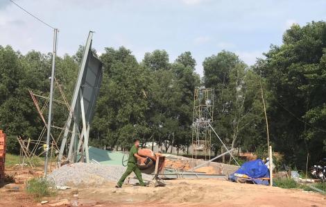 Công trình nhà xưởng đang thi công bị đổ sập, 3 công nhân trọng thương