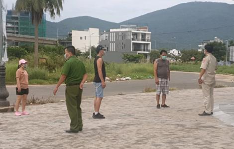 Đà Nẵng phạt gần 1 tỉ đồng với người dân không đeo khẩu trang, tụ tập, ra đường...