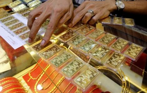 Giá vàng lại giảm về sát 55 triệu đồng/lượng