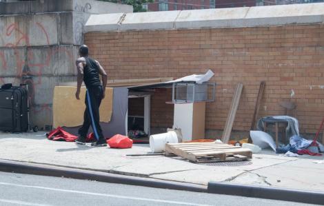 New York lo giải quyết tình trạng vô gia cư mùa COVID-19