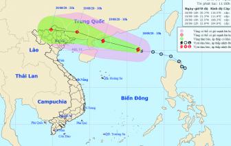 Bão giật cấp 10 trên Biển Đông