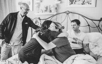 Bộ ảnh ấn tượng về màn vượt cạn của một phụ nữ mang thai hộ