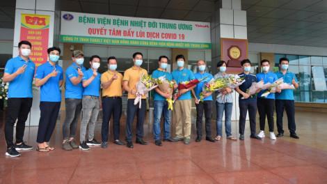 Phi hành đoàn đưa công dân từ Guinea Xích đạo về nước âm tính với SARS-CoV-2