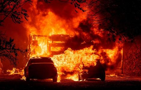 Gần 11.000 tia sét gây ra hơn 300 đám cháy ở California trong vòng 72 giờ
