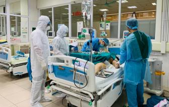 Cụ ông 76 tuổi mắc COVID-19, bị tổn thương phổi nặng đã khỏi bệnh