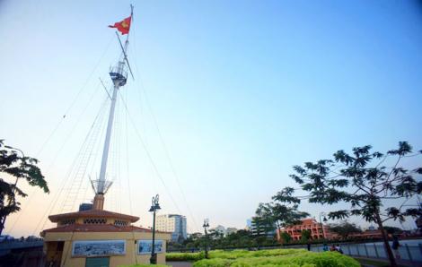 Tiến hành trùng tu Cột cờ Thủ Ngữ 155 tuổi ở TPHCM