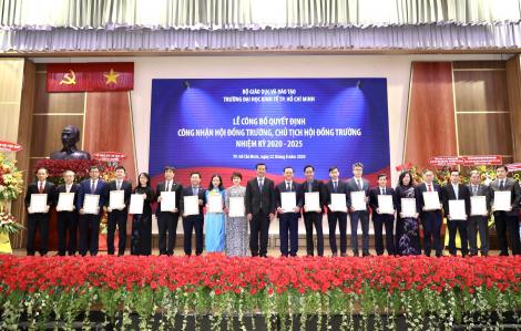 Chủ tịch UBND TPHCM Nguyễn Thành Phong là thành viên Hội đồng trường Trường ĐH Kinh tế TPHCM
