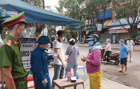 Đà Nẵng đề nghị người dân liên hệ lấy mẫu khi sốt, ho, không nhờ người thân mua thuốc tây