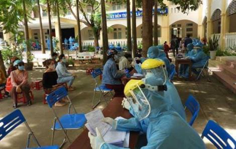 Đà Nẵng lấy mẫu xét nghiệm SARS-CoV-2 tại chợ đầu mối Hòa Cường
