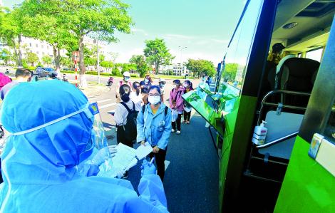 Bị kẹt ở Đà Nẵng, dân các tỉnh nóng ruột mong ngày về