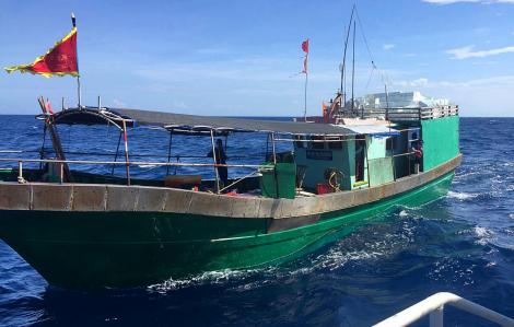 Đẩy đuổi tàu cá Trung Quốc ngang nhiên xâm phạm lãnh hải Việt Nam
