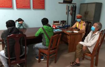 Mất việc, hết tiền, nhiều lao động phổ thông ngoại tỉnh tìm cách rời Đà Nẵng, bị bắt phạt