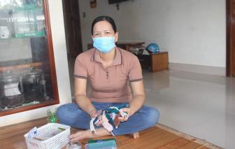 Đan hàng ngàn chiếc tai giả tặng tuyến đầu chống dịch COVID-19