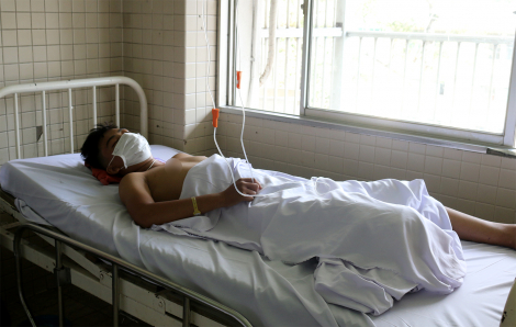 Thông tin mới nhất về thiếu niên 15 tuổi bị một nhóm 10 người chặn đường chém đứt lìa cẳng chân phải