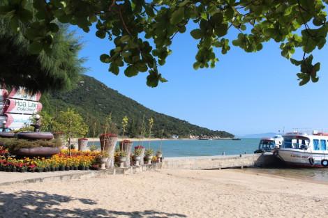 Ngày nắng đẹp lên tàu ra đảo Hoa Lan, Nha Trang