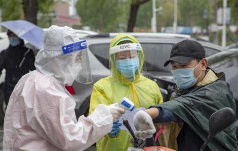 Trung Quốc bắt giữ hàng ngàn người vì các tội danh liên quan COVID-19