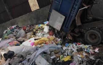 """Mang hàng tấn rác từ Long An lên TPHCM đổ """"lậu"""""""