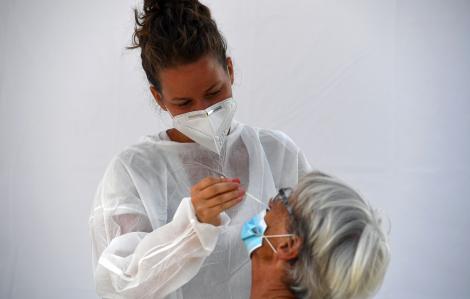 COVID-19: Mỹ có ca tái nhiễm đầu tiên, số ca nhiễm tại Pháp tăng kỷ lục