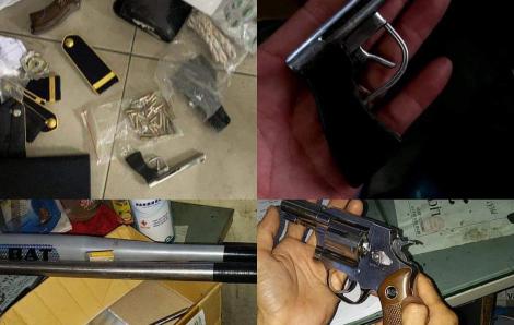 Bắt giữ bảo vệ kiêm giữ xe của Bệnh viện quận 9 do tàng trữ nhiều súng, đạn, kiếm