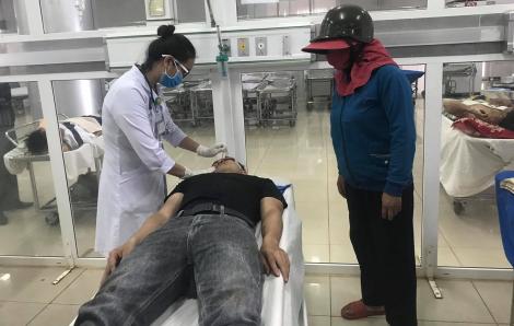 Tạm đình chỉ công tác hai cán bộ công an xô xát khiến 1 người bị vỡ xương hàm