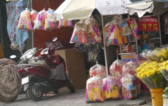 Chợ vàng mã lớn nhất Sài Gòn đìu hiu ngày cúng cô hồn