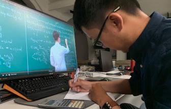 Giải pháp nào cho giáo viên lớn tuổi khi dạy học trực tuyến?