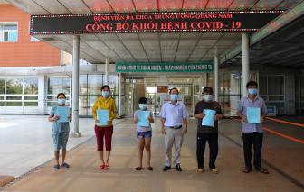 Bé gái 9 tuổi cùng 6 người lớn khỏi bệnh COVID-19, xuất viện về nhà