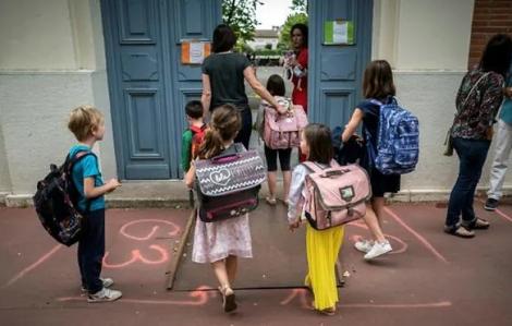Trẻ em châu Âu quay lại trường học giữa nỗi lo dịch bệnh