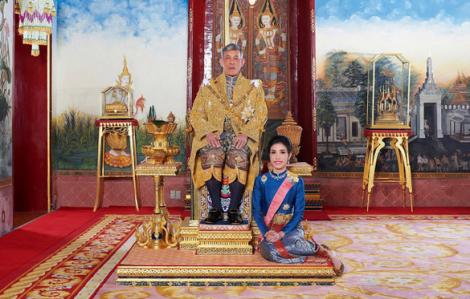 Vua Thái Lan phục vị hoàng quý phi sau gần 1 năm phế truất
