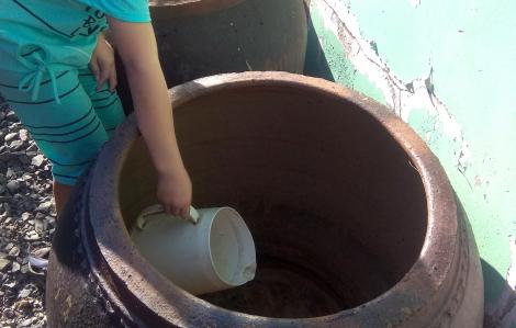 Dân Cần Giờ thiếu nước, ngóng chờ sà lan