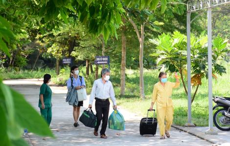 Nam sinh Đại học Bách khoa Đà Nẵng và 7 bệnh nhân khác được chữa khỏi COVID-19