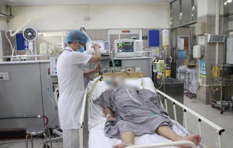 Cụ ông phải thở máy do ăn pate Minh Chay hiện ra sao?