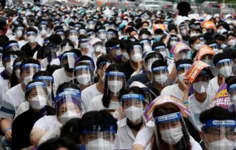 Hàng ngàn bác sĩ Hàn Quốc ngừng đình công