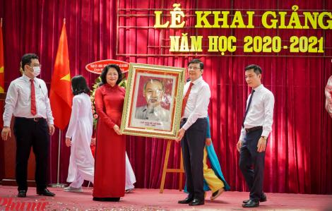 Phó Chủ tịch nước dự khai giảng Trường THPT Lê Quý Đôn