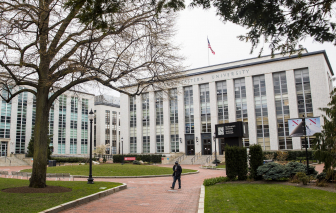 Đại học Northeastern đuổi học 11 sinh viên vi phạm quy định về COVID-19