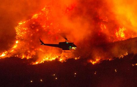 Bang California khốn đốn vì cháy rừng