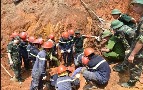 Khởi tố hình sự vụ sập taluy khiến 4 người tử vong ở Phú Thọ