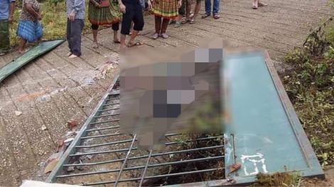 Sập cổng trường tiểu học khiến 3 học sinh tử vong