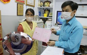 Người đàn ông ôm rắn đi cấp cứu tặng lại 80 triệu đồng cho bệnh nhân khác