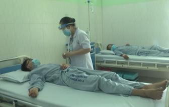 Nữ bệnh nhân làm bánh mì với pate Minh Chay đã tự thở