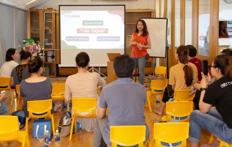 Parent Coach giúp bố mẹ Việt biết cách dạy con không đòn roi, quát nạt