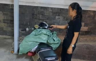 Đổ trộm một bao tải rác, người phụ nữ bị phạt 4 triệu đồng