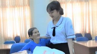 Cô nữ sinh nhỏ 5 năm chinh phục học bổng Báo Phụ nữ