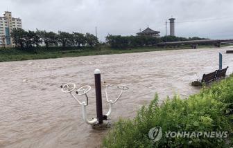 Hàn Quốc thiệt hại kinh tế kỷ lục 824 triệu USD vì mưa lũ